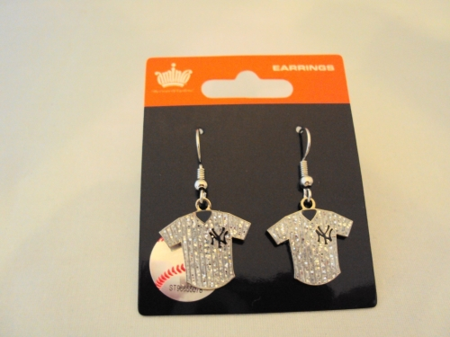 New York Yankees MLB Silver Glitter Jersey Dangle Earrings *CLOSEOUT*